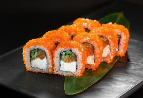 Ролл Филадельфия XL Масаго с копченым лососем