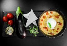Холодный суп из печеных баклажанов