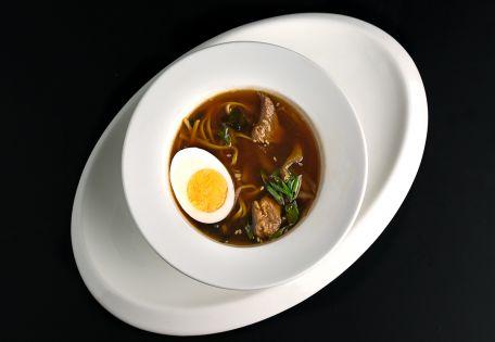 Суп рамен с говядиной