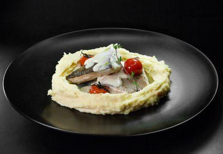 Филе судака с картофельным пюре
