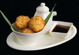 Рисовые шарики в кляре темпура